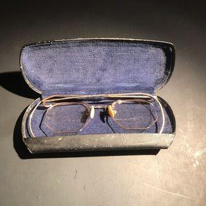 Vintage golf filler glasses